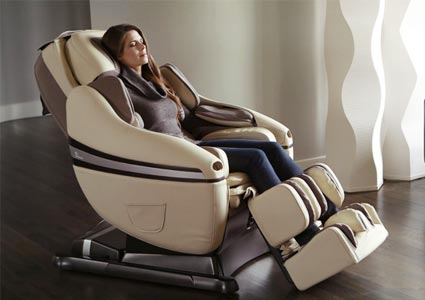 Inada Chair Feature Woman Sitting